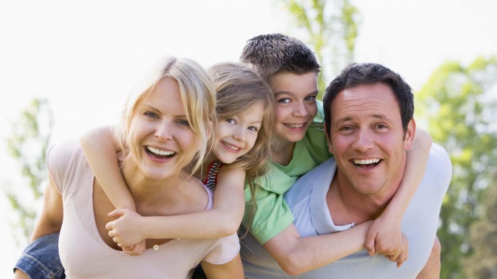 happy_family_1920x1080_wallpaper